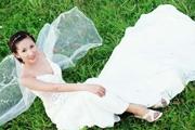 CS3扣出复杂的背景婚纱
