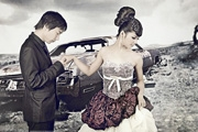 PS调出外景婚片清晰的古典中性色